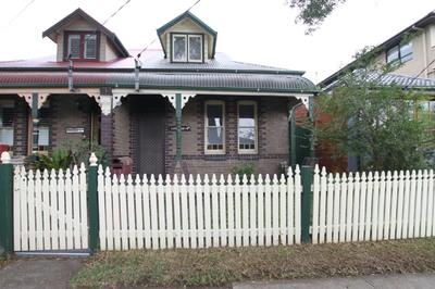 FRESHLY PAINTED THREE BEDROOM HOUSE