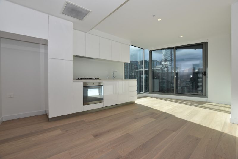 Marco: Two Bedroom Apartment with Modern Finishes in Prime Southbank Location!