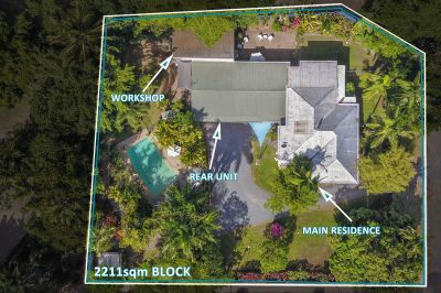 10 Bedrooms - Dual living - 2211sqm - 5km from the City