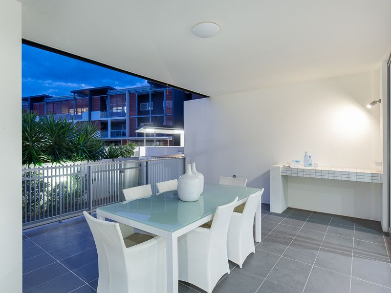 SPACIOUS 143SQM, MODERN, STONES THROW FROM RIVER & PARK.>