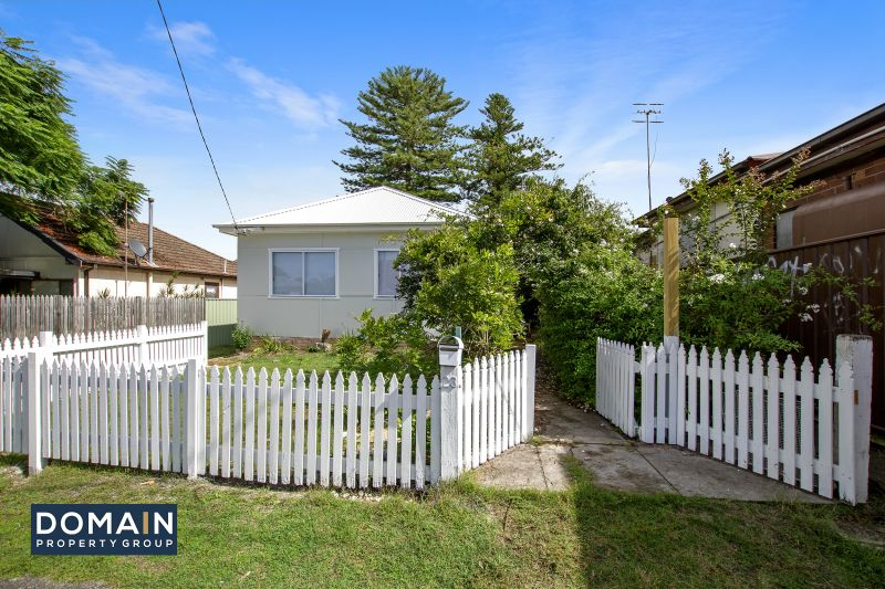 23 Barrenjoey Road Ettalong Beach 2257