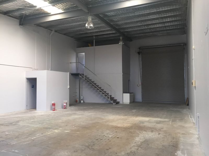 Renovated Warehouse For Lease