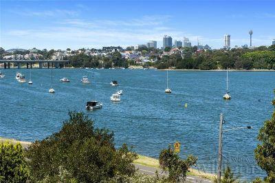 A dress-circle setting and unobstructed bay views