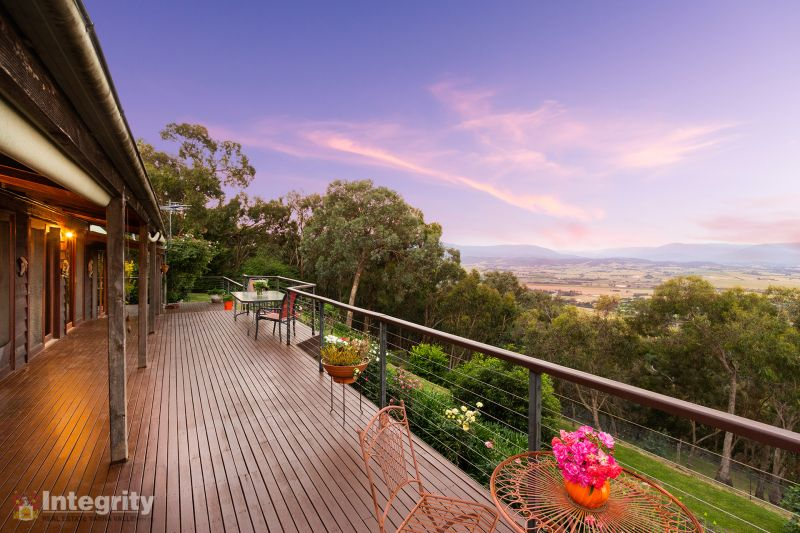 Character Home with Panoramic Yarra Valley Views