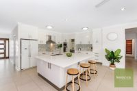 2 Zoe Court Mount Louisa, Qld