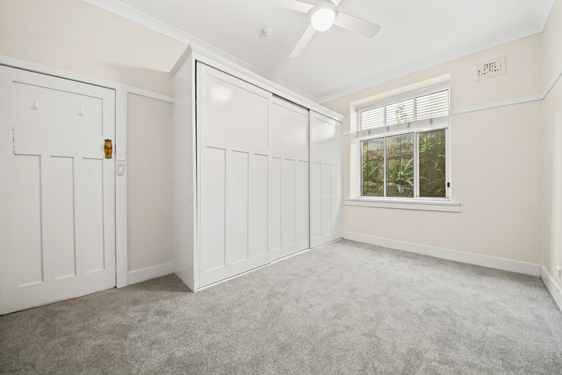 HUGE RENOVATED 2 BEDROOM APARTMENT - GREAT VALUE