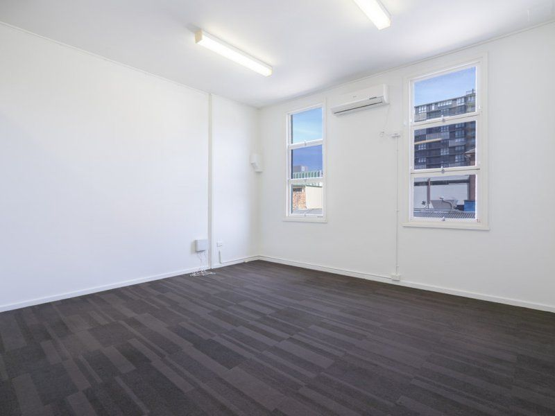 SELF CONTAINED OFFICE SUITE LOCATED IN GOSFORD CBD