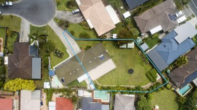One of the largest back yards in Burleigh!!!