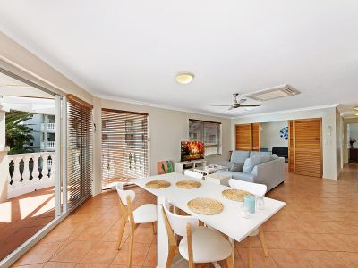 SUNNY SPACIOUS APARTMENT DIRECTLY ACROSS FROM THE BEACH