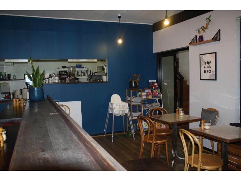 Fully Fitted  Coffee  Shop  58m2