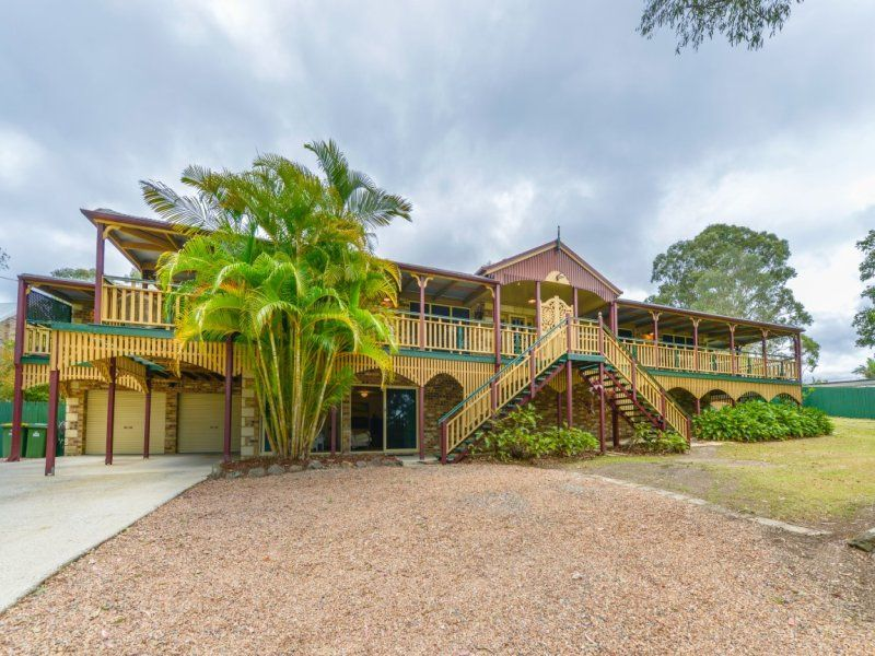 GRAND STYLE LIVING WITH SEPARATE GUEST RETREAT...