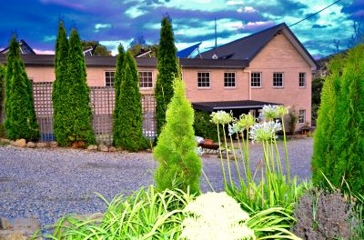 Charm and tranquility lifestyle Large Home in The Huon Valley