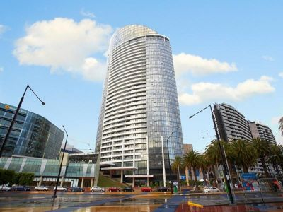 Victoria Point 1, 100 Harbour Esplanade - Beautiful Studio For Rent!