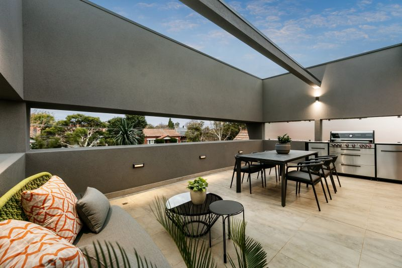 2/7 Orrong Crescent, Caulfield North