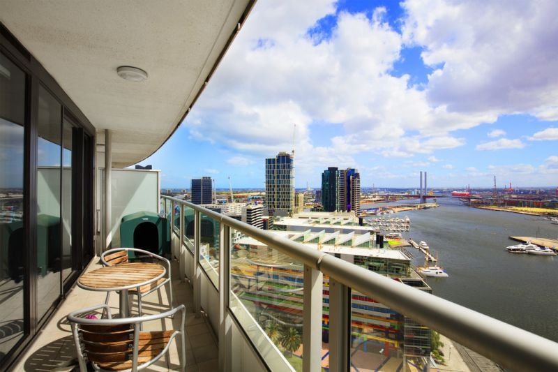 Victoria Point: FULLY FURNISHED - Perfect For The Stylish Professional! L/B