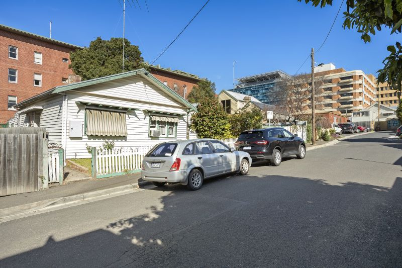 19 Board Place Geelong