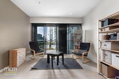 Unsurpassed Clarendon Towers Style, Space and Oversized Outdoor Living