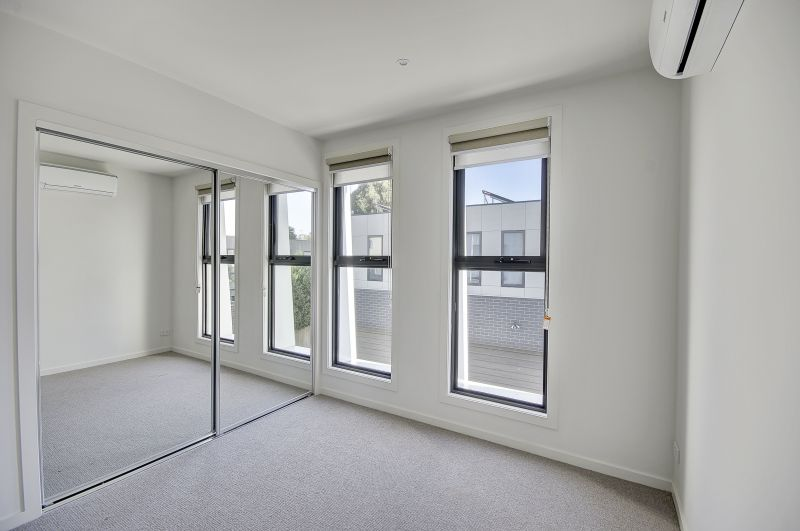 1/22 Villamanta Street Geelong West
