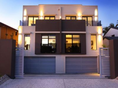Villa in sought after precinct with rooftop terrace