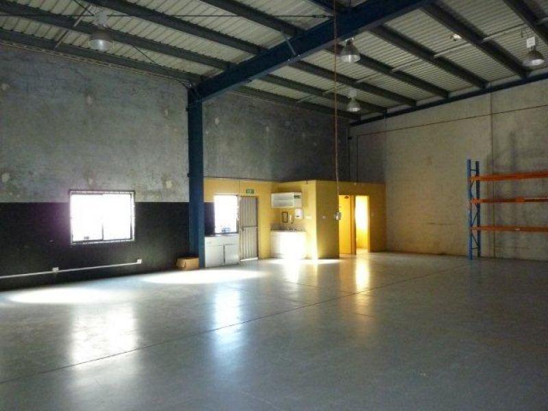 280sqm Duplex Industrial Unit with Excellent Access