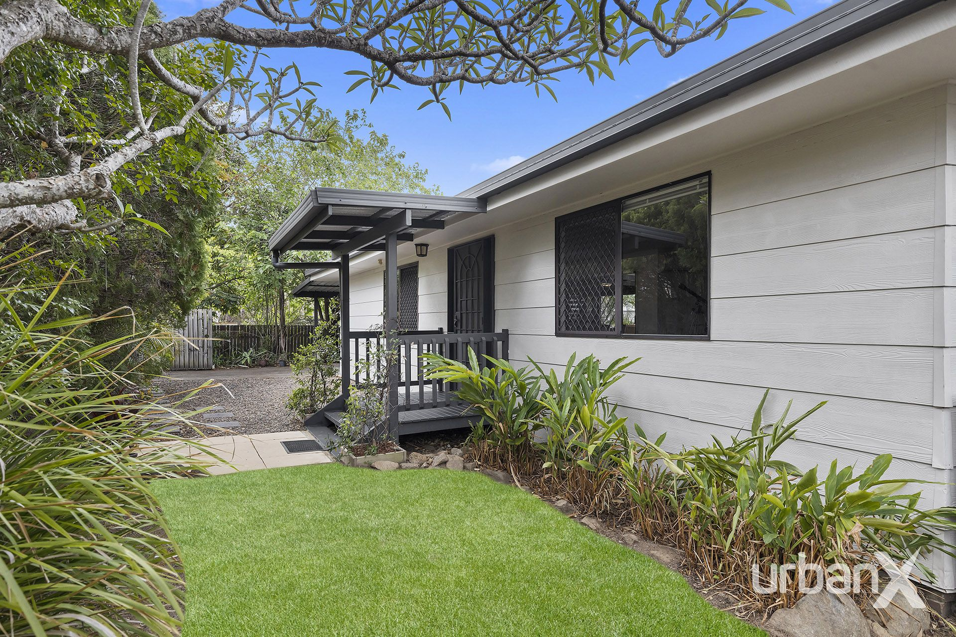 11 Warruga Street The Gap 4061