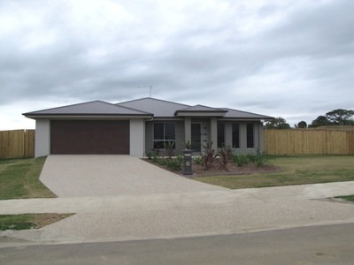 LARGE FAMILY HOME ON 1046 SQUARE METRES
