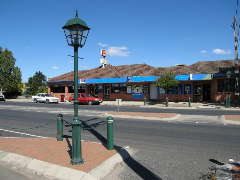 Very Successful Hotel & 6 Room Motel for sale.