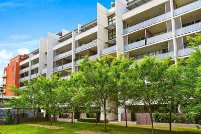 Pet Friendly Split Level Two Bedroom Apartment with Parking