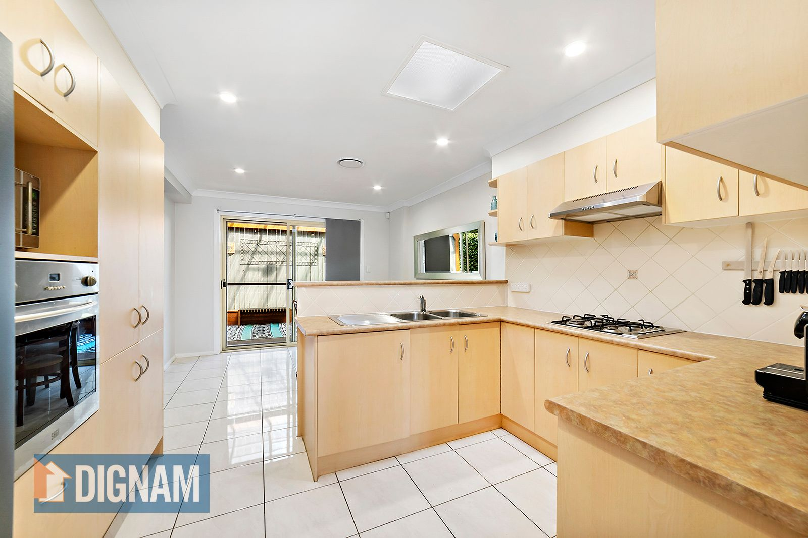 2/28 Popes Road, Woonona NSW