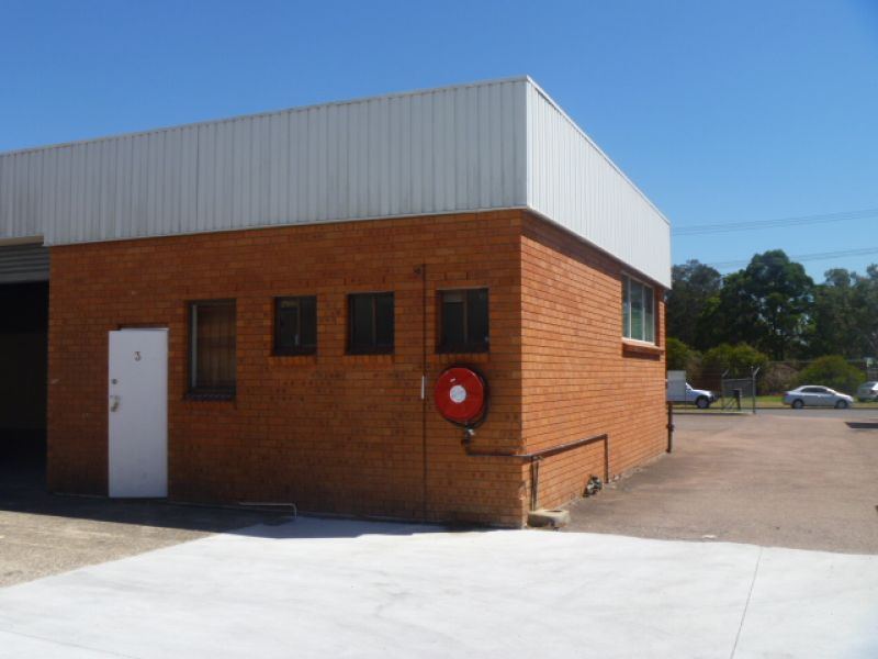 215m2 INDUSTRIAL FACTORY BAY