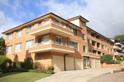 Tranquil, bright, top floor spacious unit