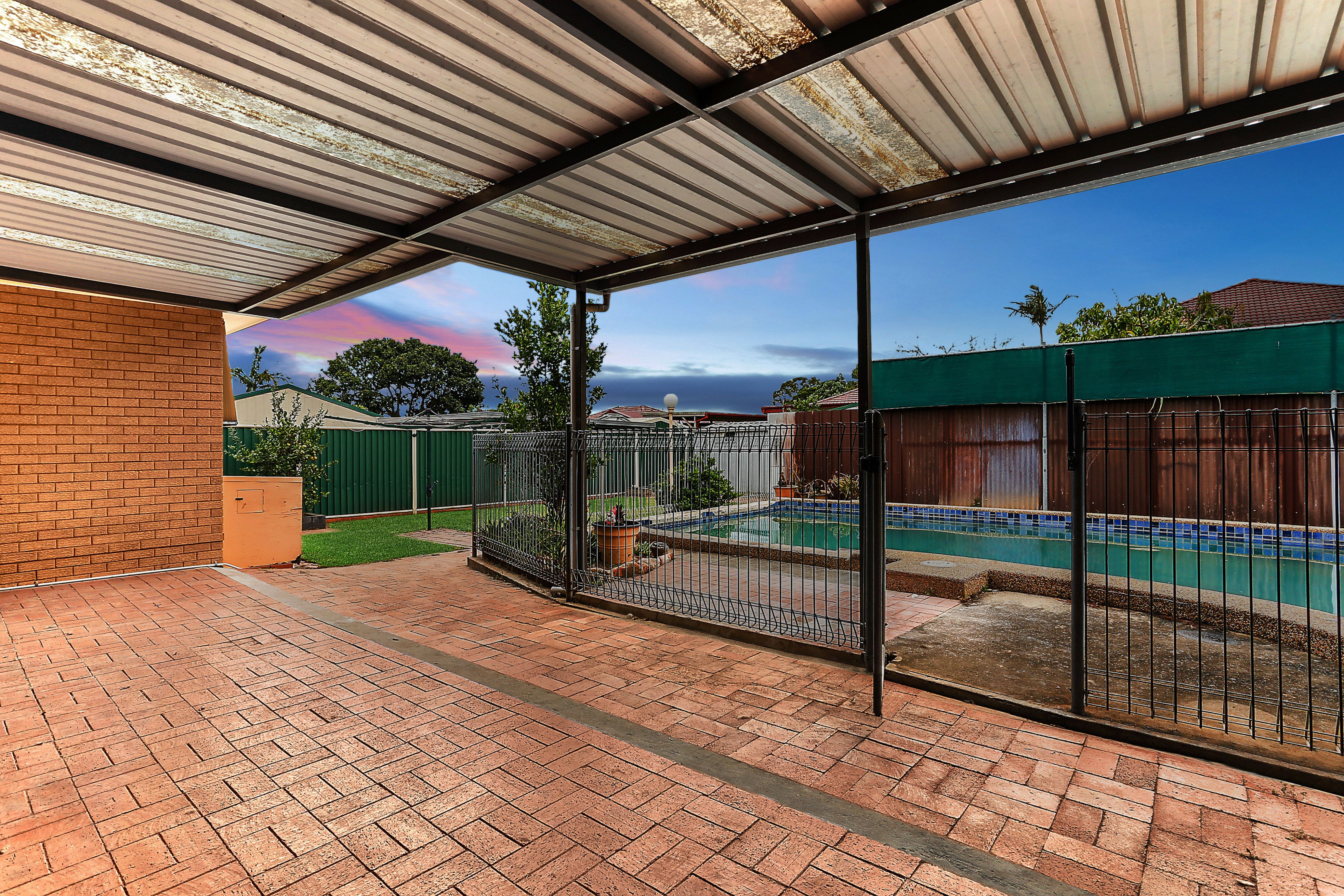 2 Kurrajong Avenue, Georges Hall NSW 2198