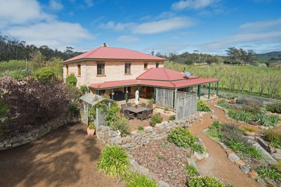 1966 Buckland Road, Woodsdale
