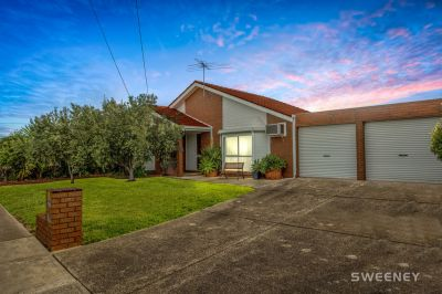 The Perfect Altona Bay Location!