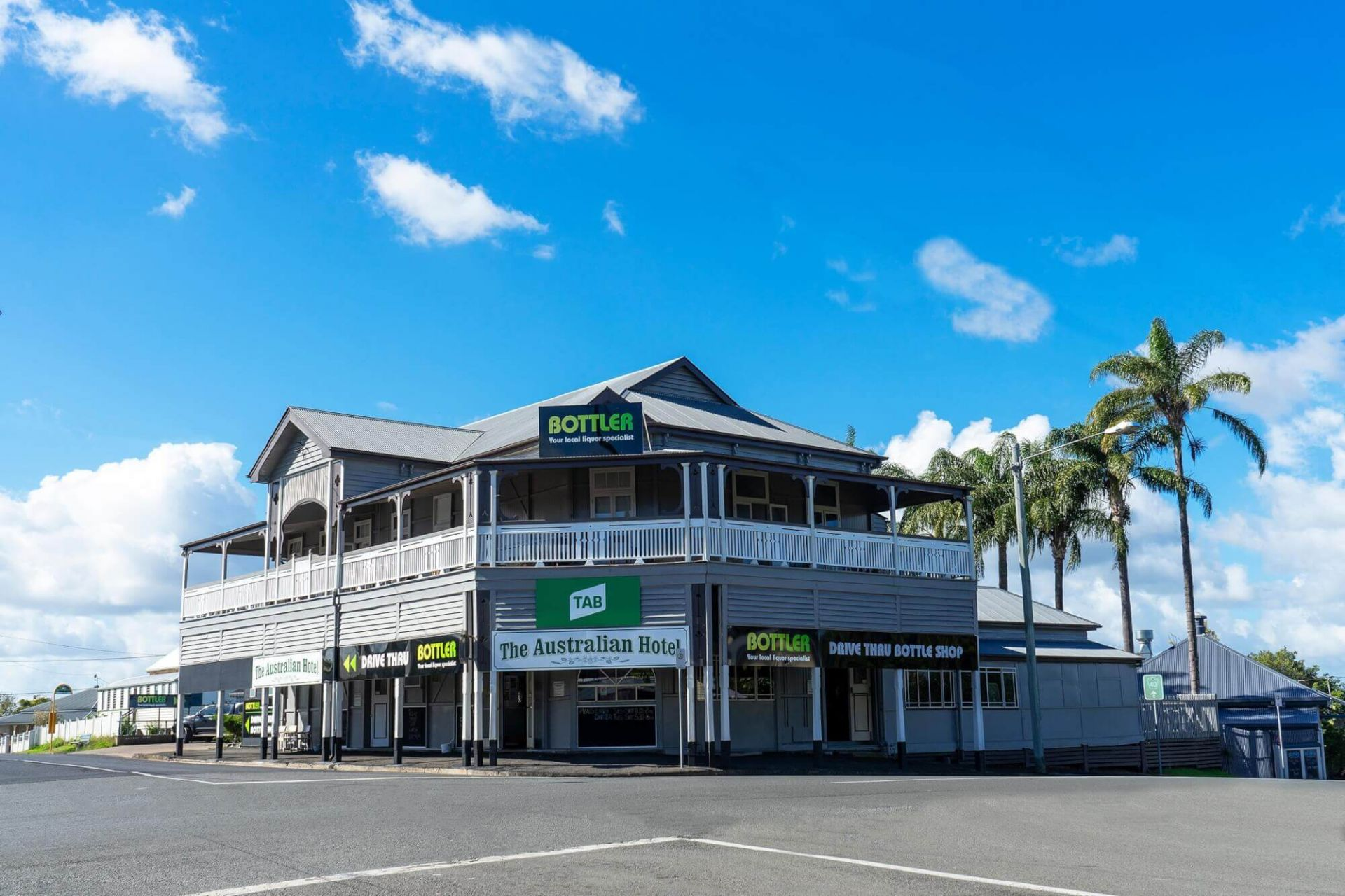 THE AUSTRALIAN HOTEL GYMPIE - FREEHOLD SALE - MULTIPLE INCOME STREAMS