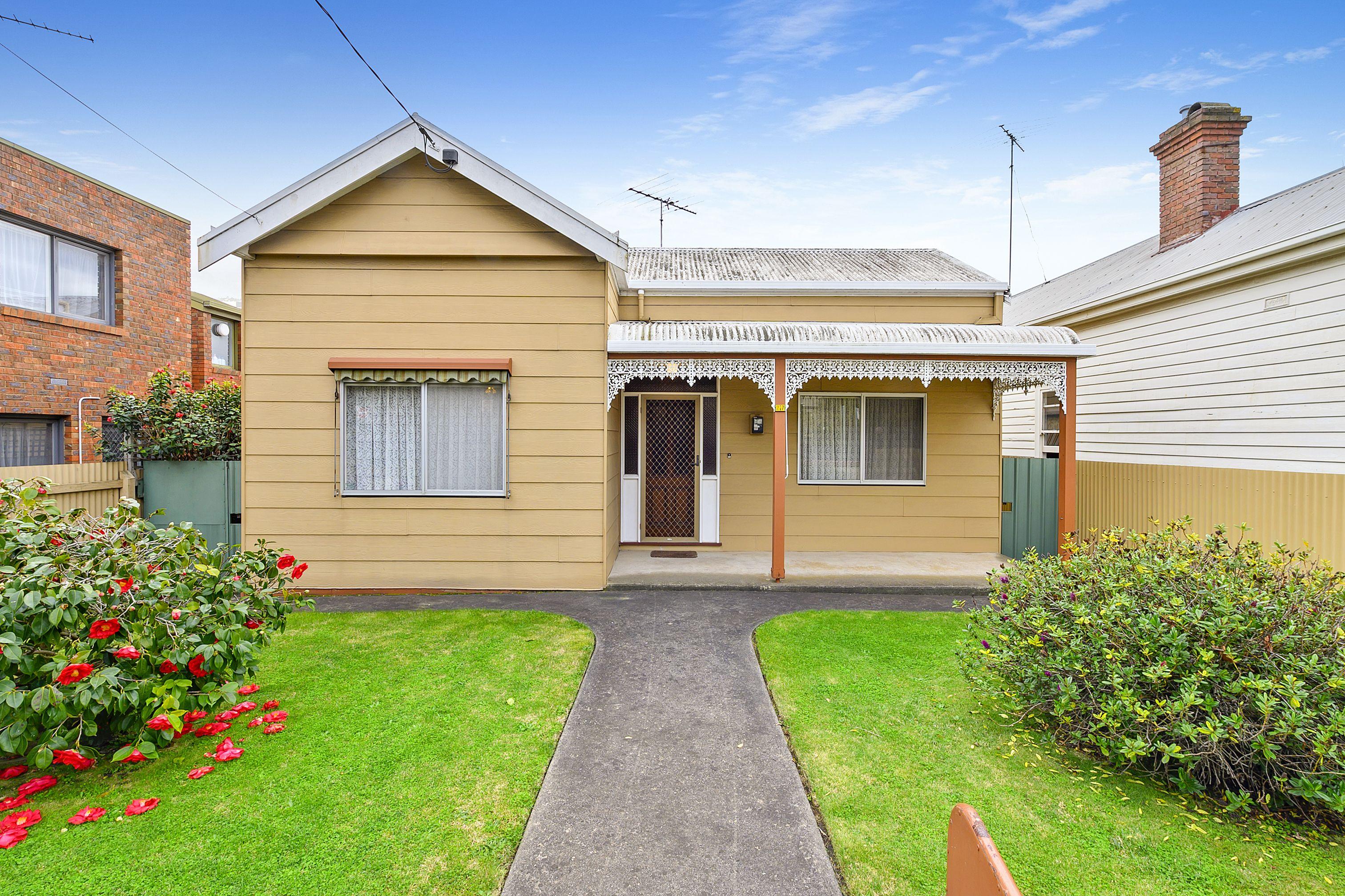 217 Little Malop Street</br>Geelong