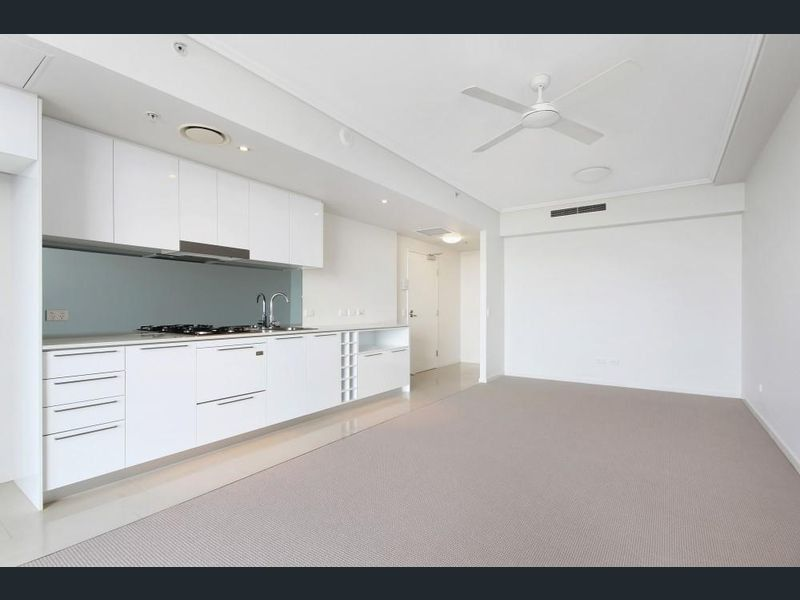 For Sale By Owner: 11901/8 Harbour Road, Hamilton, QLD 4007