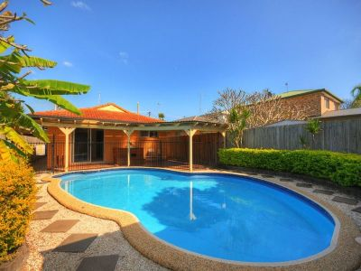 Fantastic Opportunity - Walk to the beach!