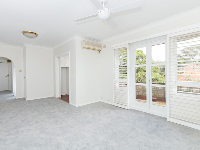 Great Size Apartment in Convenient Location
