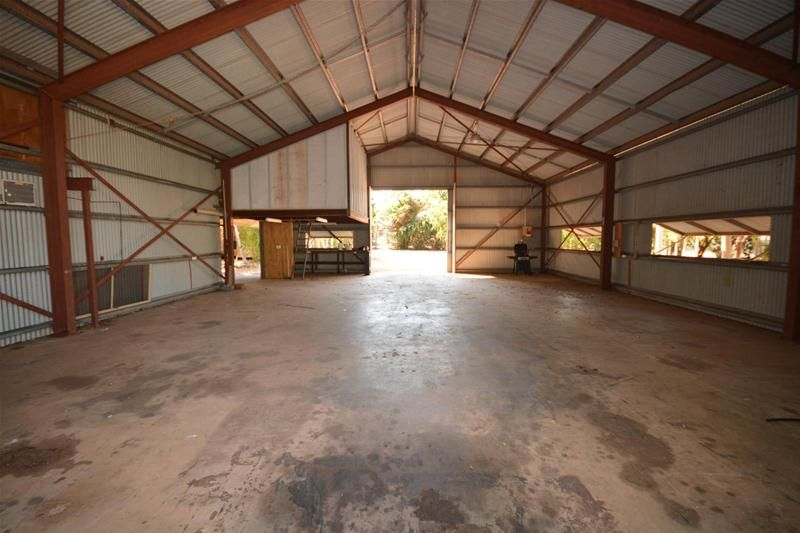 Versatile Industrial Property with Extensive Accommodation