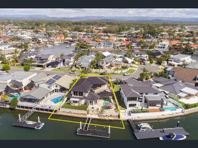 Stunning Waterfront House in 'Runaway Bay Islands'