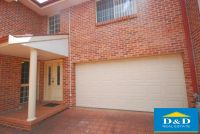 Modern 3 Bedroom Townhouse. 2 Living Areas. 3 Toilets. Double Lock Up Garage. Quiet Location.