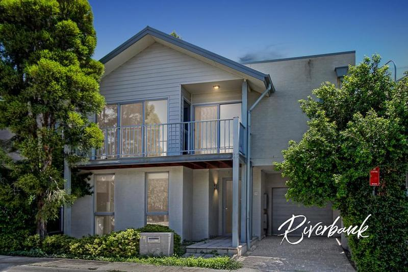 Superb Family Living - Dual Street Frontage