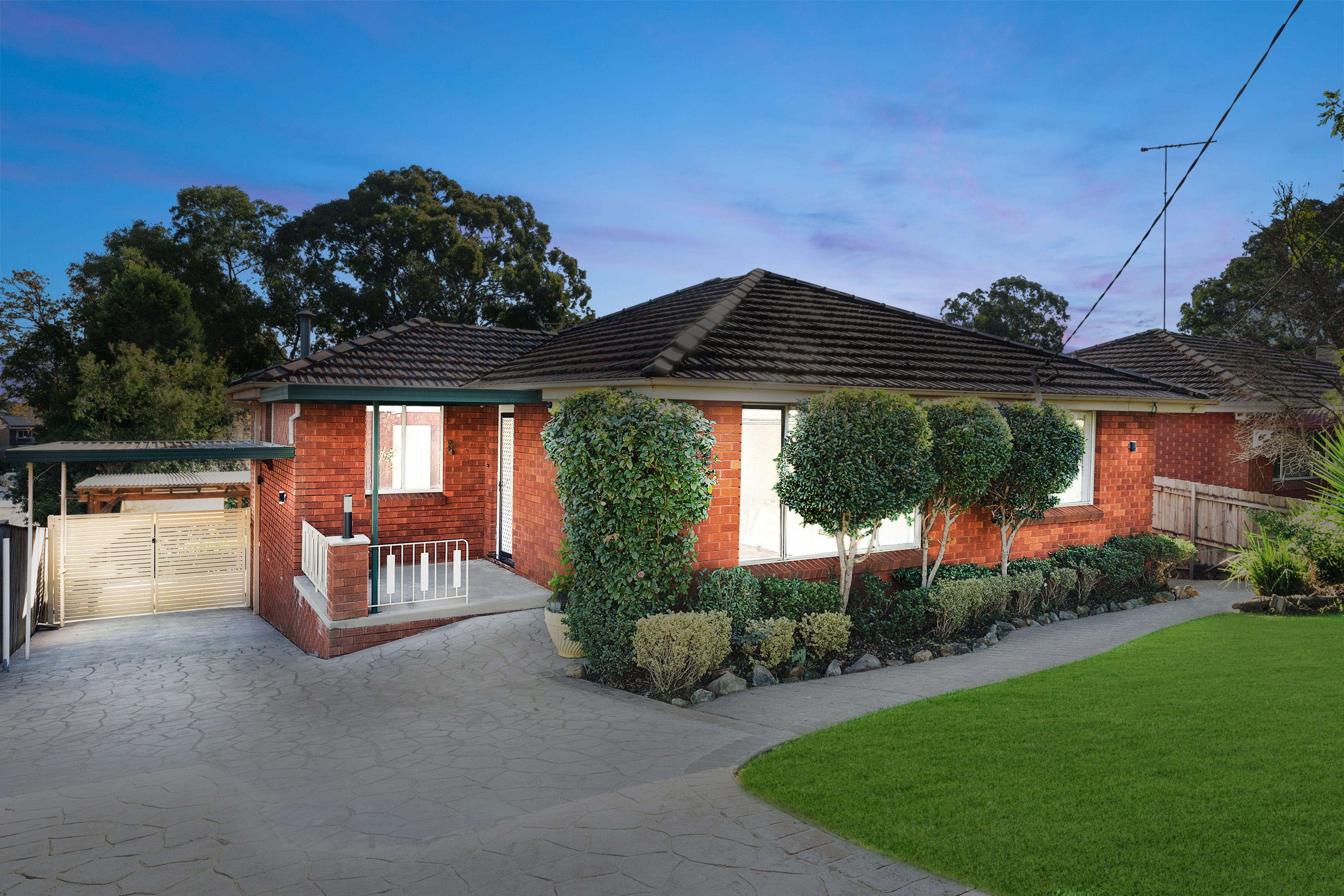 33 Donington Avenue, Georges Hall NSW 2198