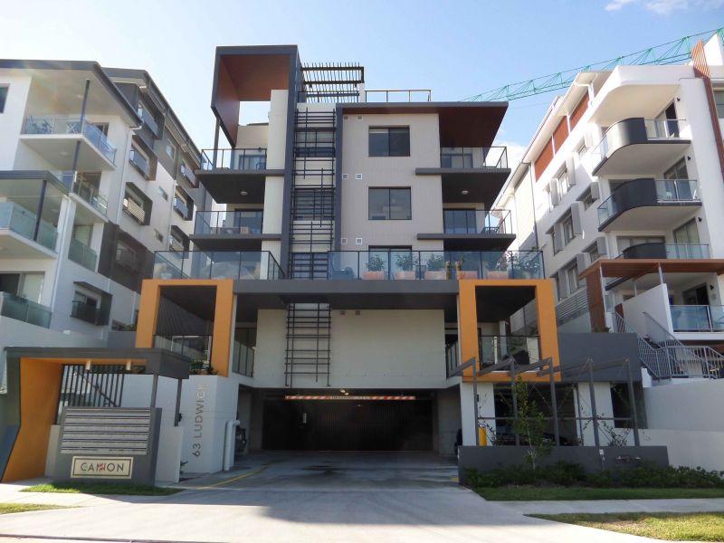 Modern Executive Apartment>