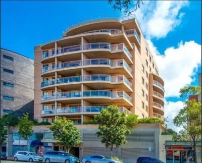 Modern & Secure Apartment on Level 5, Close to Maroubra Junction