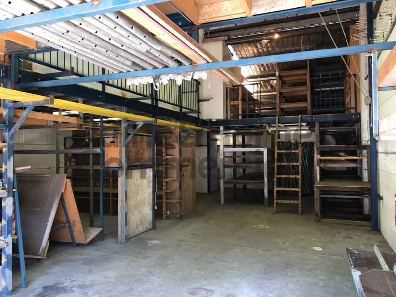 High Clearance Warehouse with Flexible Floor Plan