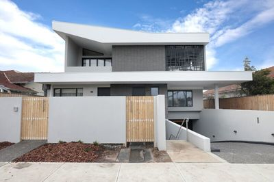 Mckinnon Secondary School Zone Brand New 3-bed Townhouse, Minutes to Ormond Railway Station at  A Highly Sought Location