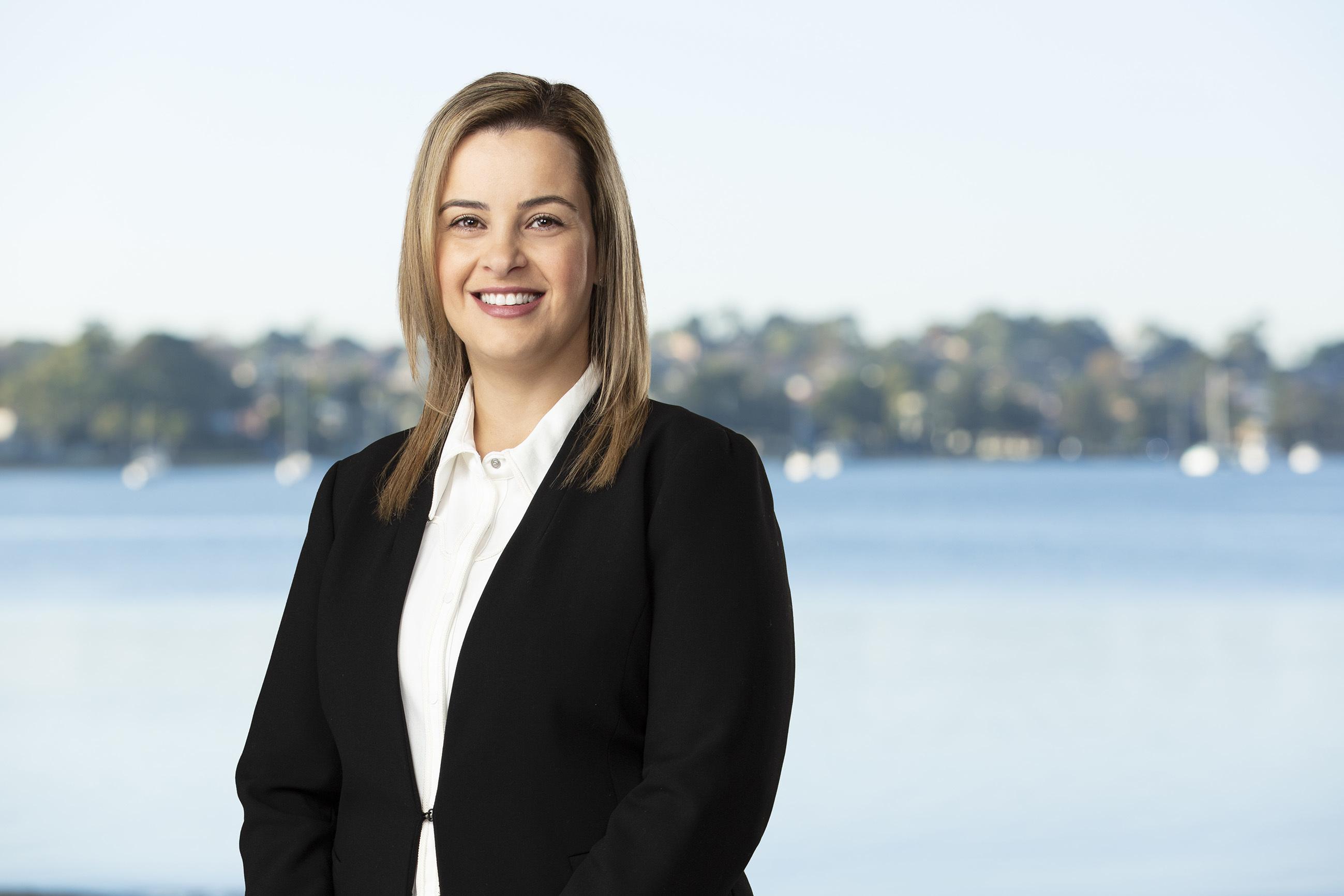 Mona Selman Real Estate Agent