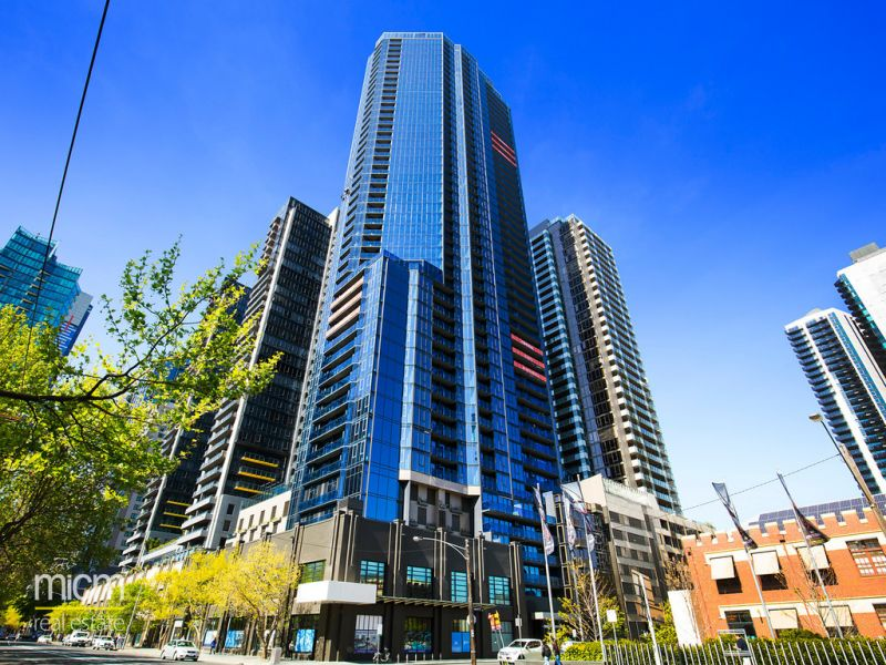 Stunning One Bedroom Apartment High up on the 31th Floor of Southbank Central!